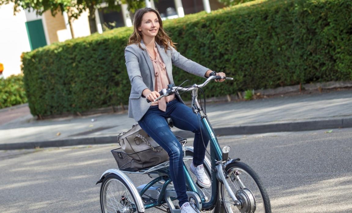 Dreiräder für Erwachsene sind die optimale Alternative, wenn man sich auf einem herkömmlichen Fahrrad nicht mehr sicher fühlt, sie können auch mit einem Elektromotor kombiniert werden.