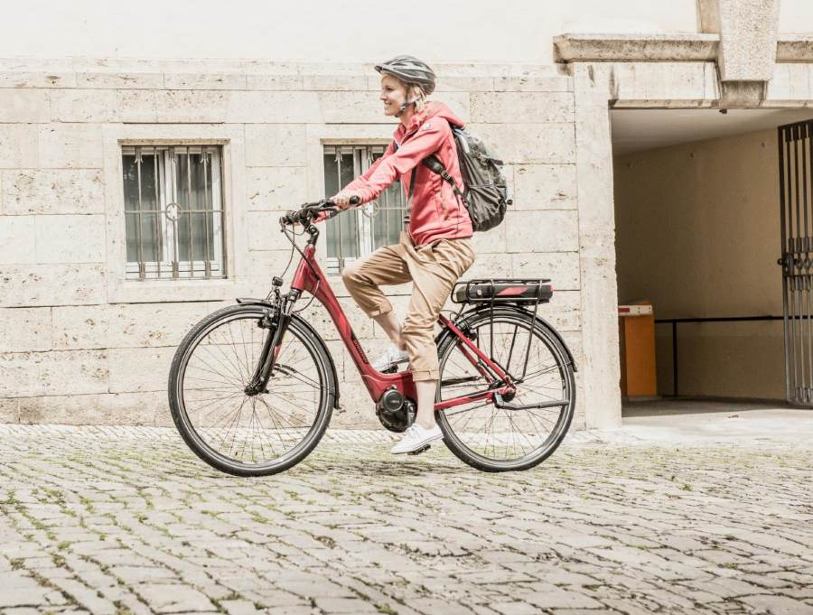 Das Yucatan von Winora ist ein City e-Bike mit Gepäckträger-Akku und einem leistungsstarken Pedelec-Antrieb.